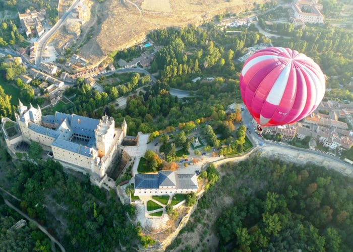 Balloon Flight in Segovia. Balloon Rides in Spain with Dreampeaks