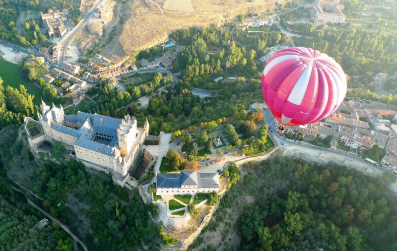 Balloon Flight in Segovia. Balloon Rides in Spain with Dreampeaks