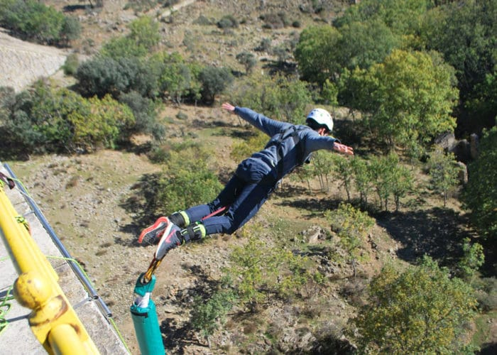 ENJOY BUNGEE JUMPING IN MADRID WITH DREAMPEAKS