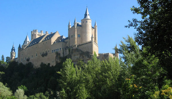 Hiking in Madrid and Visit Segovia with Dreampeaks