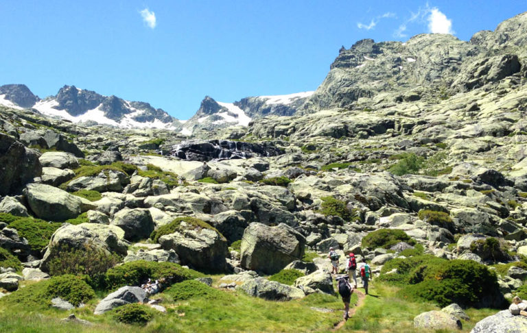 Hiking in Sierra de Gredos with Dreampeaks. Hike and camp in Sierra de Gredos.
