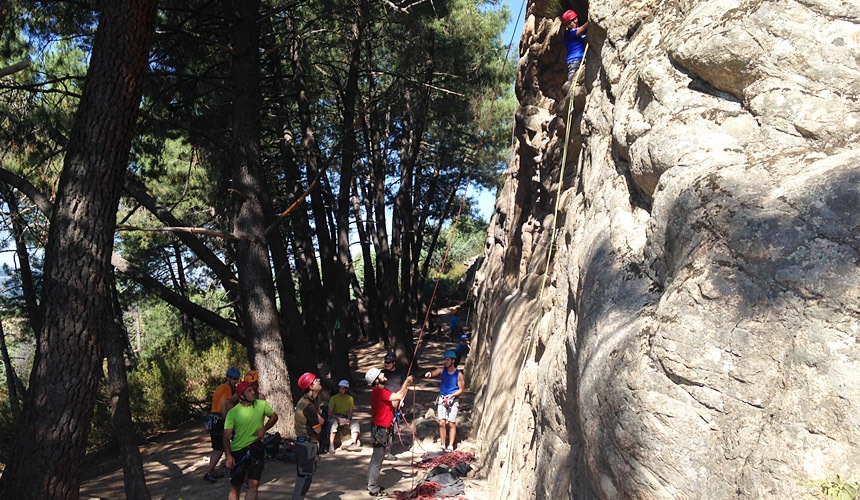 Rock Climbing in La Pedriza with Dreampeaks. Rock climbing in Madrid.