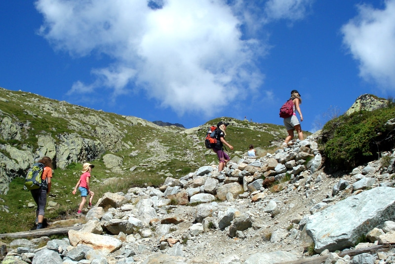 Family Hiking in Madrid. Hikes in Madrid with Dreampeaks. Guided hiking tours in Madrid